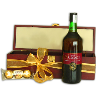 Dessert Wine and Gourmet Chocolate Gift Set