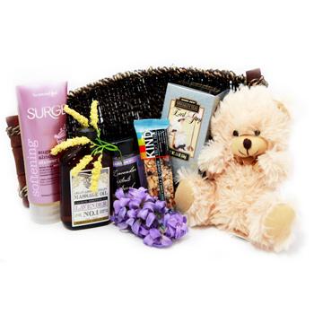 Canastillas bebé con productos para mamá